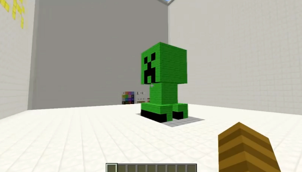 Minecraft User Creates 3D Printer with 16 Different Colours In-Game